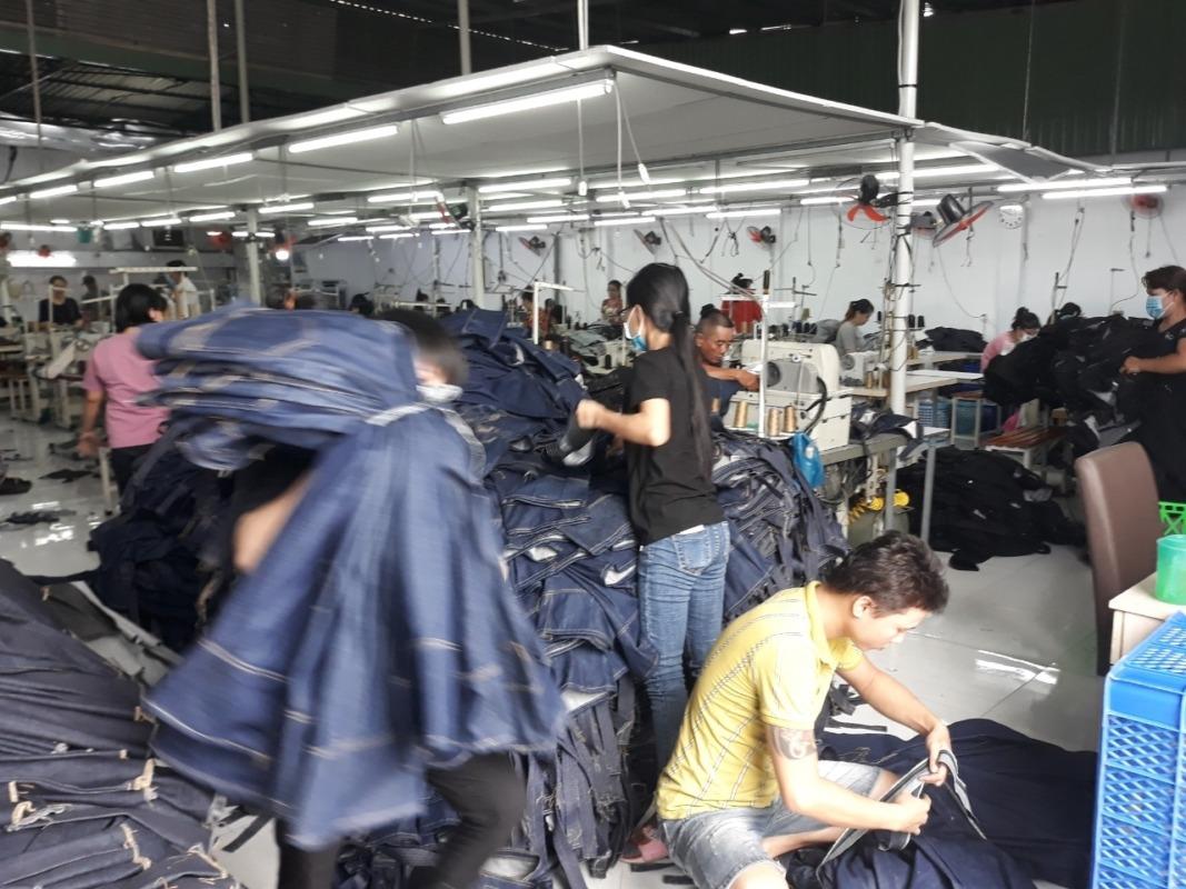 địa chỉ chuyên may, bỏ sỉ, bán buôn quần jeans nam nữ VNXK tại TP.HCM - Xưởng jeans Thuận Hải